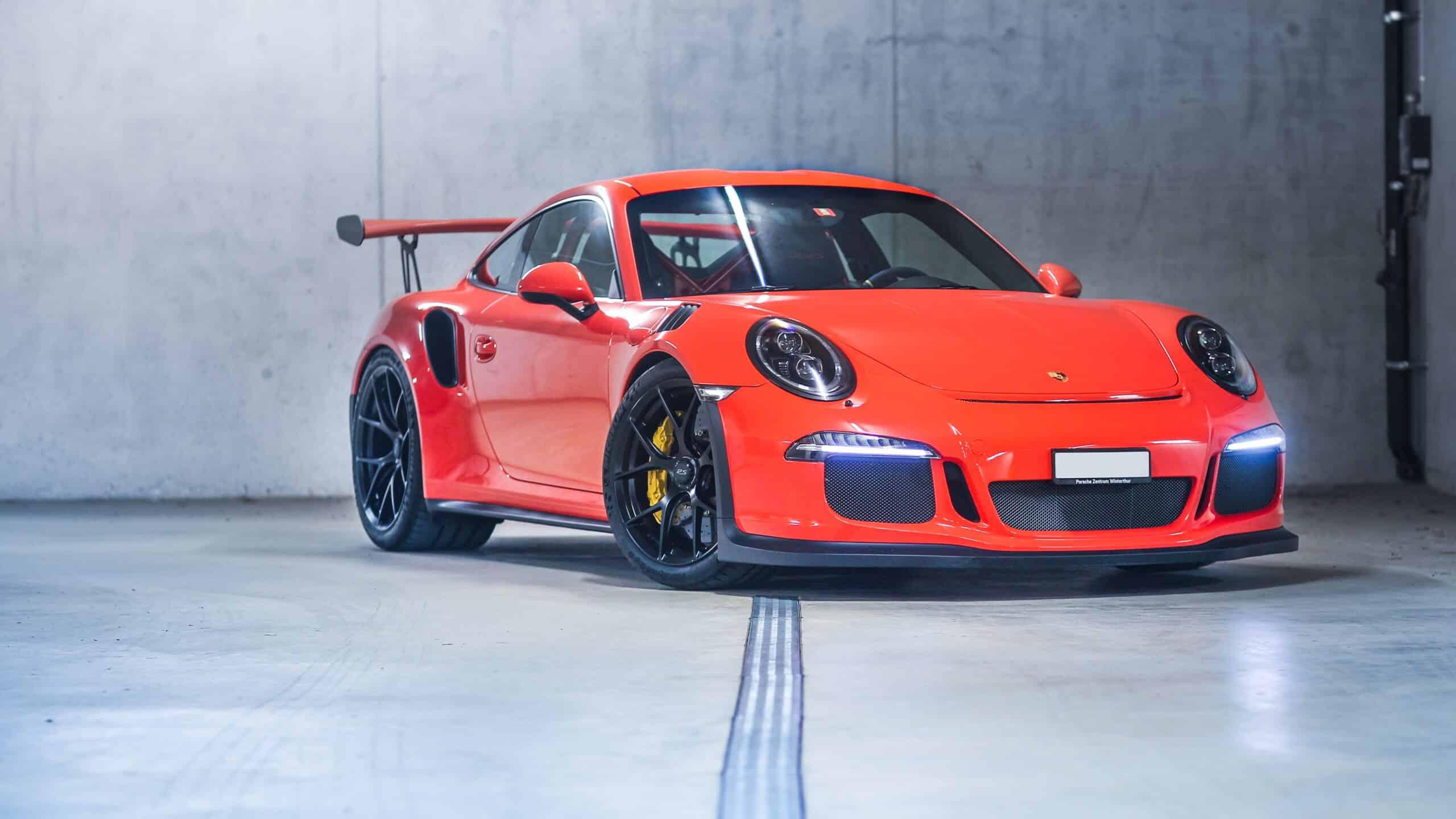 Porsche gt3 rs in rot mieten in zürich